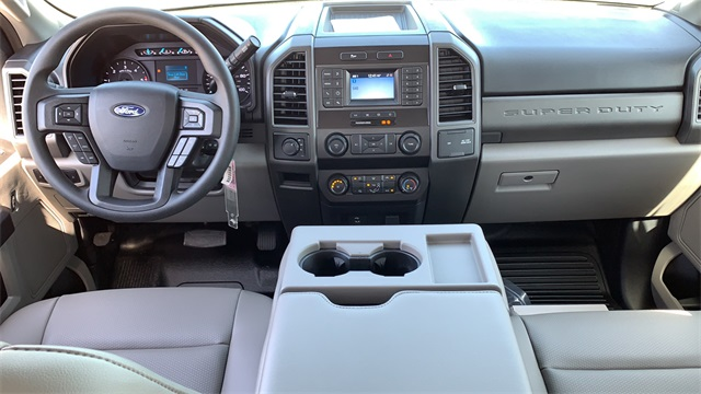 2020 Ford F-550 Crew Cab DRW 4x4, Cab Chassis #F201117 - photo 12
