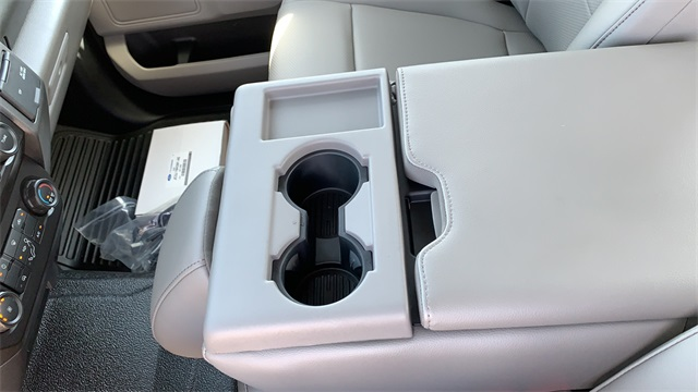 2020 Ford F-550 Crew Cab DRW 4x4, Cab Chassis #F201117 - photo 26