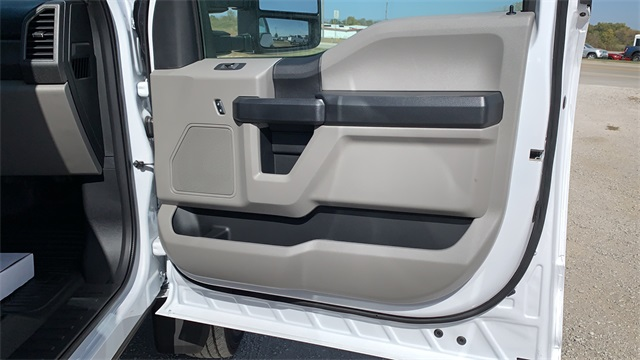2020 Ford F-550 Crew Cab DRW 4x4, Cab Chassis #F201117 - photo 29