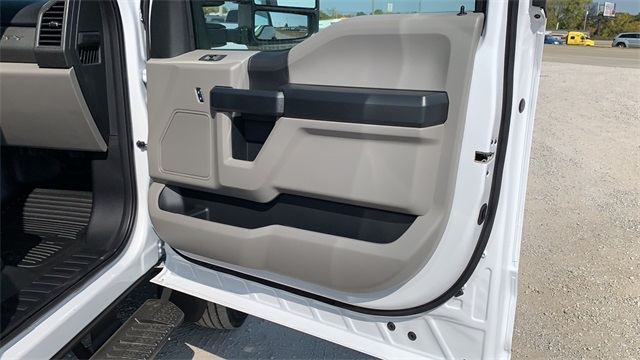 2020 Ford F-550 Crew Cab DRW 4x4, Cab Chassis #F201123 - photo 29