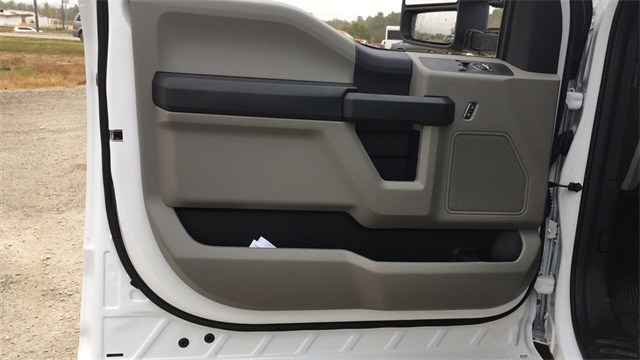 2020 Ford F-450 Regular Cab DRW 4x4, Cab Chassis #F201239 - photo 11