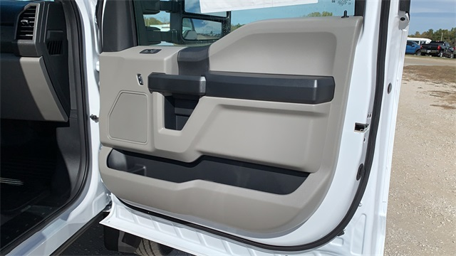 2020 Ford F-450 Regular Cab DRW 4x2, Cab Chassis #F201242 - photo 24
