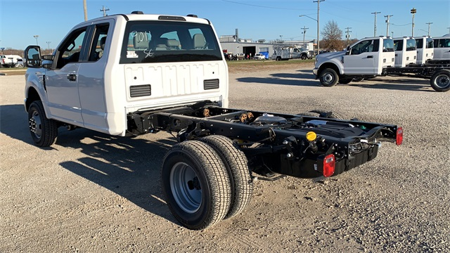2020 Ford F-350 Super Cab DRW 4x4, Cab Chassis #F201345 - photo 7
