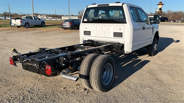 2020 Ford F-350 Super Cab DRW 4x4, Cab Chassis #F201345 - photo 2