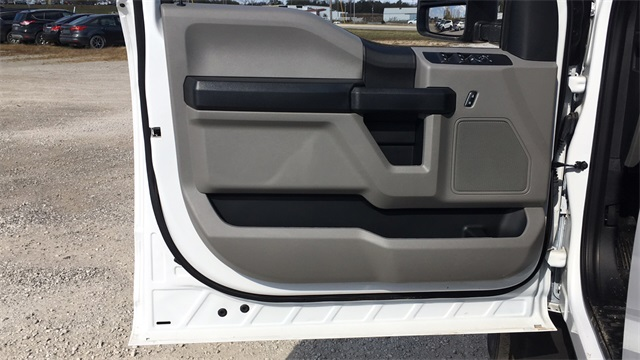 2020 Ford F-550 Crew Cab DRW 4x4, Cab Chassis #F20538 - photo 13