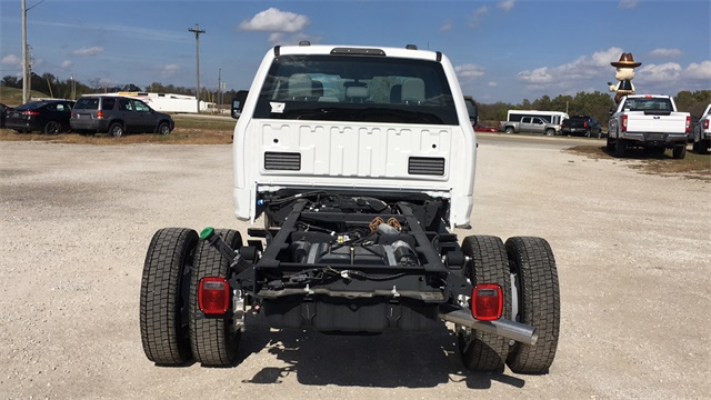 2020 Ford F-550 Crew Cab DRW 4x4, Cab Chassis #F20538 - photo 4