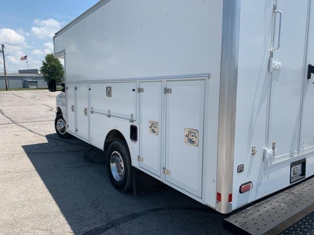 2019 Ford E-450 4x2, Supreme Service Utility Van #F91403 - photo 1