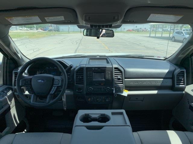 2019 Ford F-550 Crew Cab DRW 4x4, Knapheide PGNB Gooseneck Platform Body #F91442 - photo 9