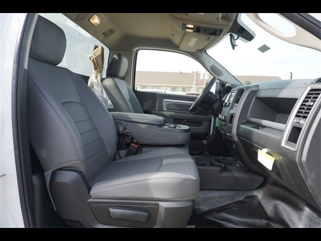 2018 Ram 5500 Regular Cab DRW 4x4,  Cab Chassis #30697 - photo 14