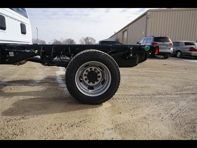 2018 Ram 5500 Regular Cab DRW 4x4,  Cab Chassis #30697 - photo 8