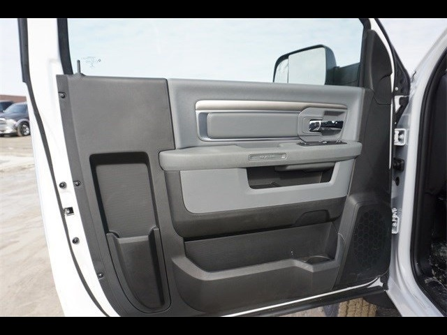2018 Ram 5500 Regular Cab DRW 4x4,  Cab Chassis #30697 - photo 10