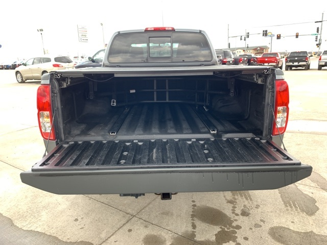 2016 Frontier Crew Cab 4x4, Pickup #40167A - photo 16