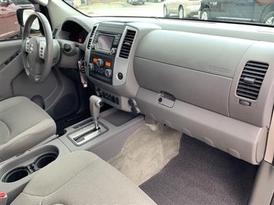 2016 Frontier Crew Cab 4x4, Pickup #40167A - photo 12