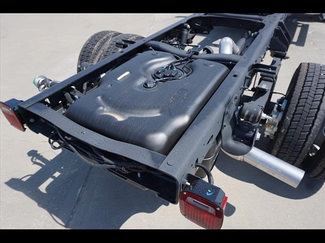 2019 Ram 5500 Regular Cab DRW 4x4, Cab Chassis #40460 - photo 17