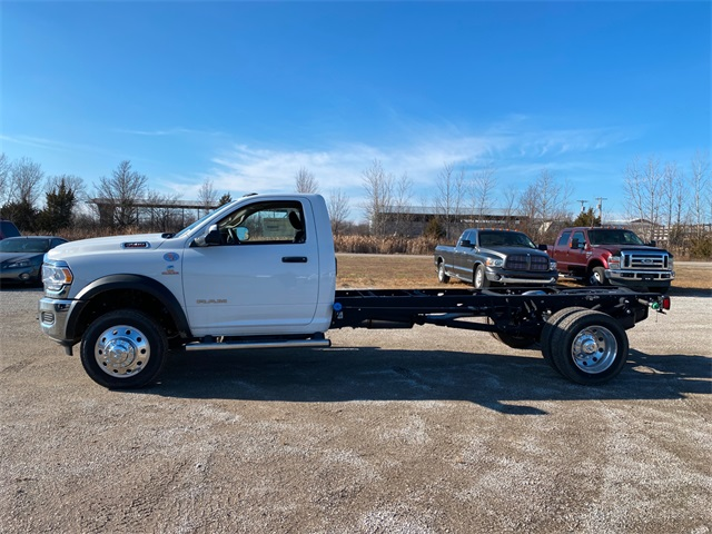 2019 Ram 4500 Regular Cab DRW 4x2, Cab Chassis #40465 - photo 4