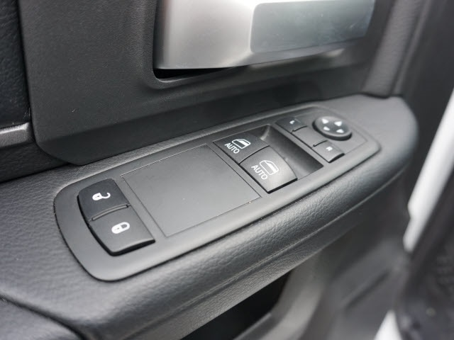 2019 Ram 5500 Regular Cab DRW 4x4, Knapheide KMT Mechanics Body #40611 - photo 9