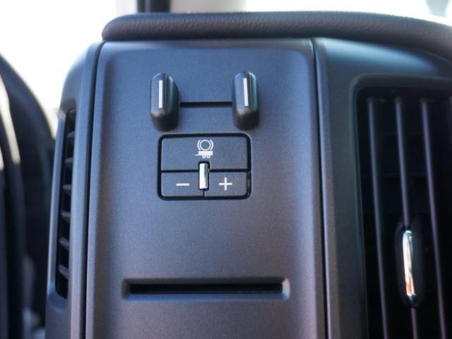 2018 Silverado 3500 Regular Cab DRW 4x4, Bradford Built Platform Body #40677B - photo 16