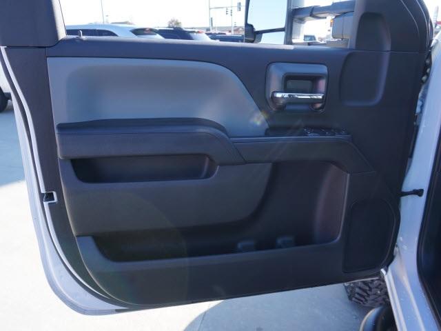 2018 Silverado 3500 Regular Cab DRW 4x4, Bradford Built Platform Body #40677B - photo 7