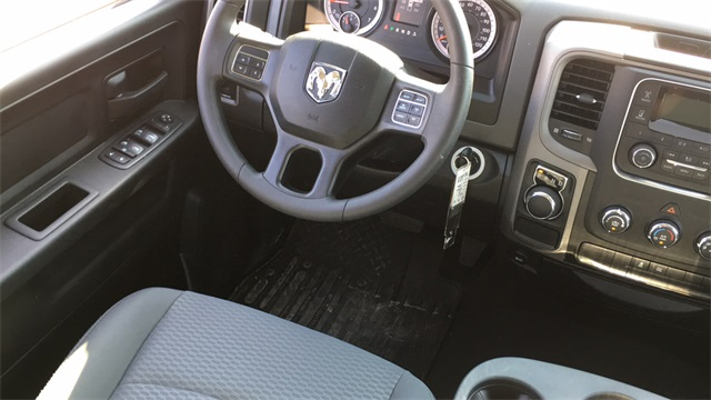 2019 Ram 1500 Crew Cab 4x2, Pickup #40711 - photo 9