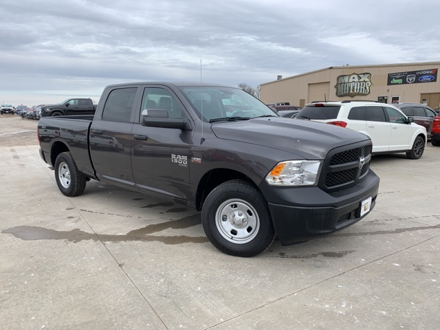 2019 Ram 1500 Crew Cab 4x4, Pickup #40766 - photo 1