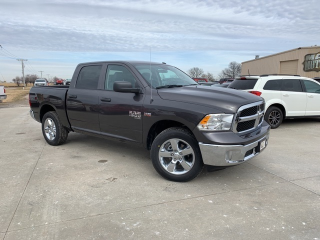 2019 Ram 1500 Crew Cab 4x4, Pickup #40800 - photo 1