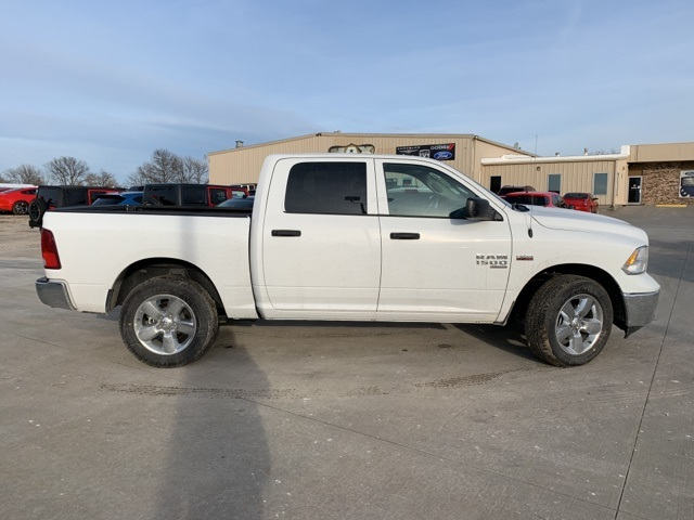 2019 Ram 1500 Crew Cab 4x4, Pickup #40813 - photo 4