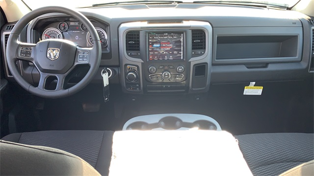2020 Ram 1500 Crew Cab 4x4, Pickup #50198 - photo 12