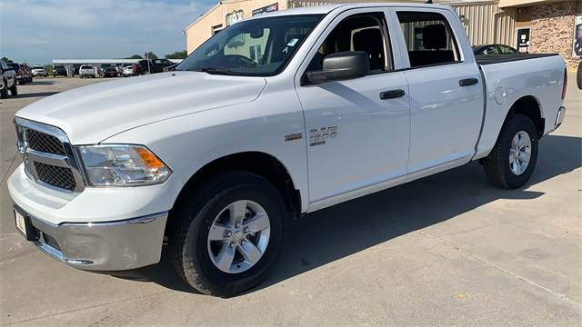 2020 Ram 1500 Crew Cab 4x4, Pickup #50198 - photo 5