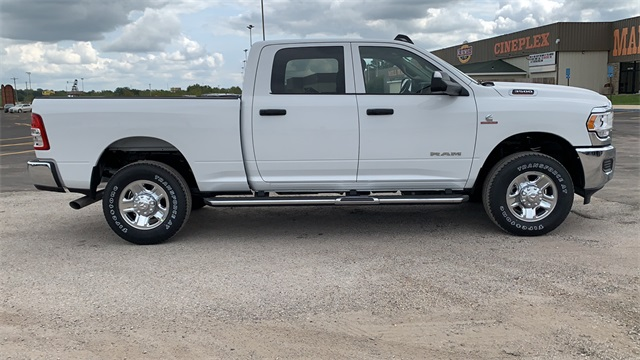 2020 Ram 3500 Crew Cab 4x4, Pickup #50517 - photo 10