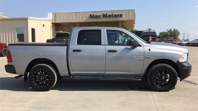2019 Ram 1500 Crew Cab 4x4, Pickup #50562A - photo 25
