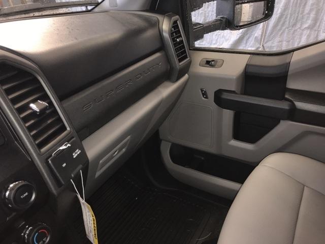 2019 F-550 Regular Cab DRW 4x4,  Rugby Eliminator LP Steel Dump Body #YA08742 - photo 3