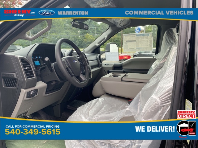 2020 Ford F-550 Crew Cab DRW 4x4, PJ's Landscape Dump #YE12224 - photo 10