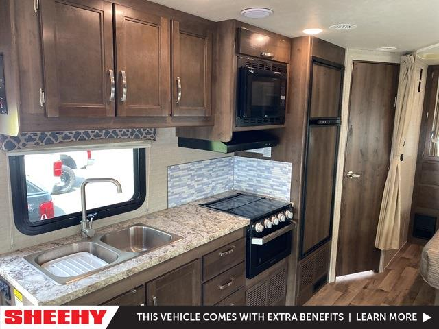 2019 Ford E-450 4x2, Other/Specialty #YE18748A - photo 17