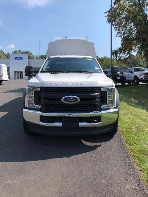 2019 F-550 Crew Cab DRW 4x4, High Roof Enclosed Service Body  #YE93187 - photo 3