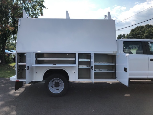 2019 F-550 Crew Cab DRW 4x4, High Roof Enclosed Service Body  #YE93187 - photo 6