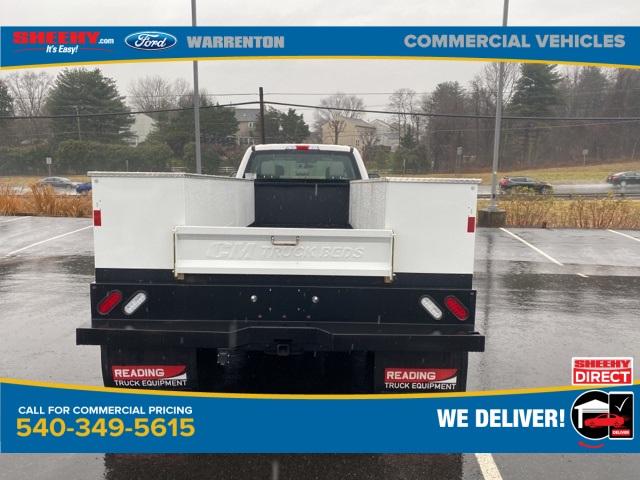 2019 Ford F-550 Crew Cab DRW 4x4, CM Truck Beds SB Model Service Body #YEF24926 - photo 2