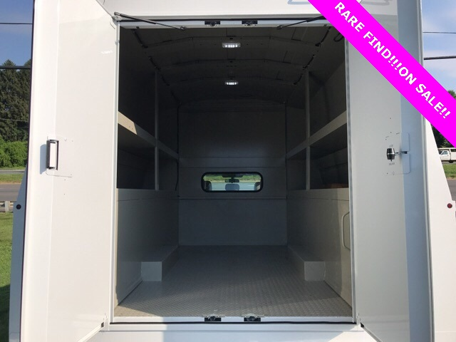 2019 F-550 Super Cab DRW 4x4, High Roof Enclosed Service Body  #YF03416 - photo 8