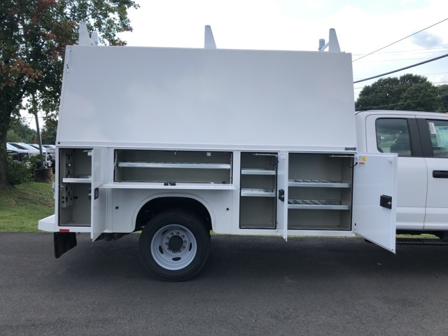 2019 F-550 Super Cab DRW 4x4, High Roof Enclosed Service Body  #YF24765 - photo 7