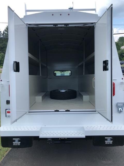 2019 F-550 Super Cab DRW 4x4, High Roof Enclosed Service Body  #YF24765 - photo 11