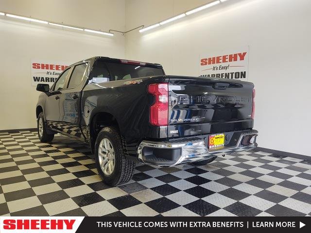 2020 Chevrolet Silverado 1500 Crew Cab 4x4, Pickup #YXWR1579 - photo 2