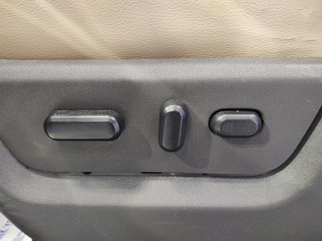 2014 Ford F-350 Crew Cab 4x4, Pickup #YZ3994 - photo 12
