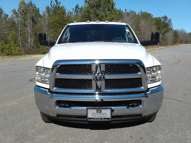 2018 Ram 3500 Crew Cab DRW 4x4,  Knapheide Platform Body #10551 - photo 4