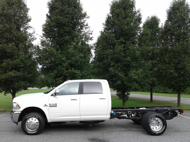 2018 Ram 3500 Crew Cab DRW 4x4,  Cab Chassis #N9779 - photo 2