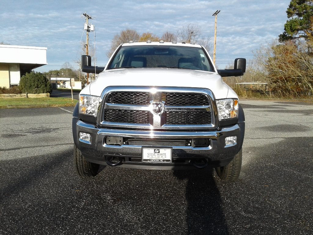2018 Ram 4500 Crew Cab DRW 4x2,  Reading Service Body #N9901 - photo 4