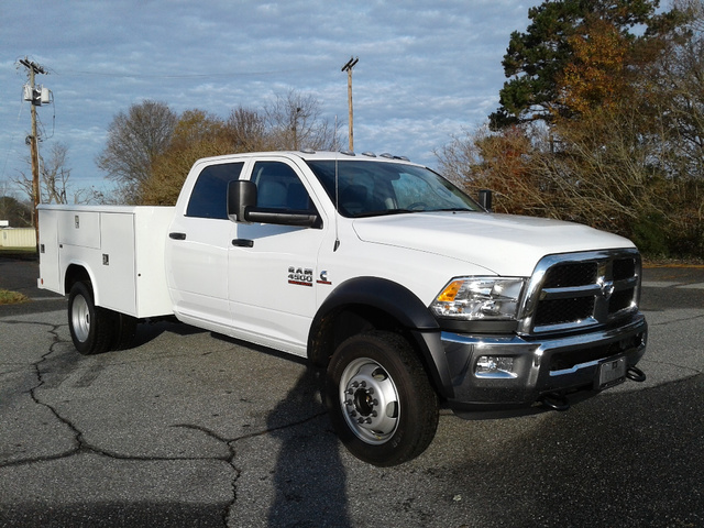 2018 Ram 4500 Crew Cab DRW 4x2,  Reading Service Body #N9901 - photo 5
