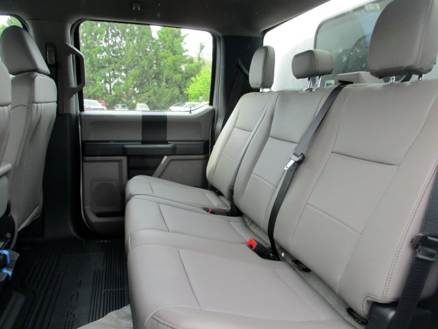 2020 Ford F-350 Crew Cab DRW 4x4, Reading Panel Service Body #MFU0374 - photo 3