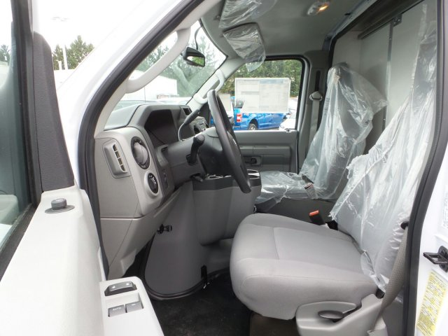 2019 E-350 4x2, Dejana DuraCube Cutaway Van #MFU9542 - photo 10
