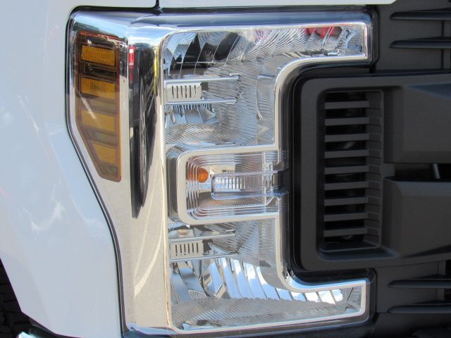 2019 F-250 Crew Cab 4x4, Pickup #MFU9761 - photo 3