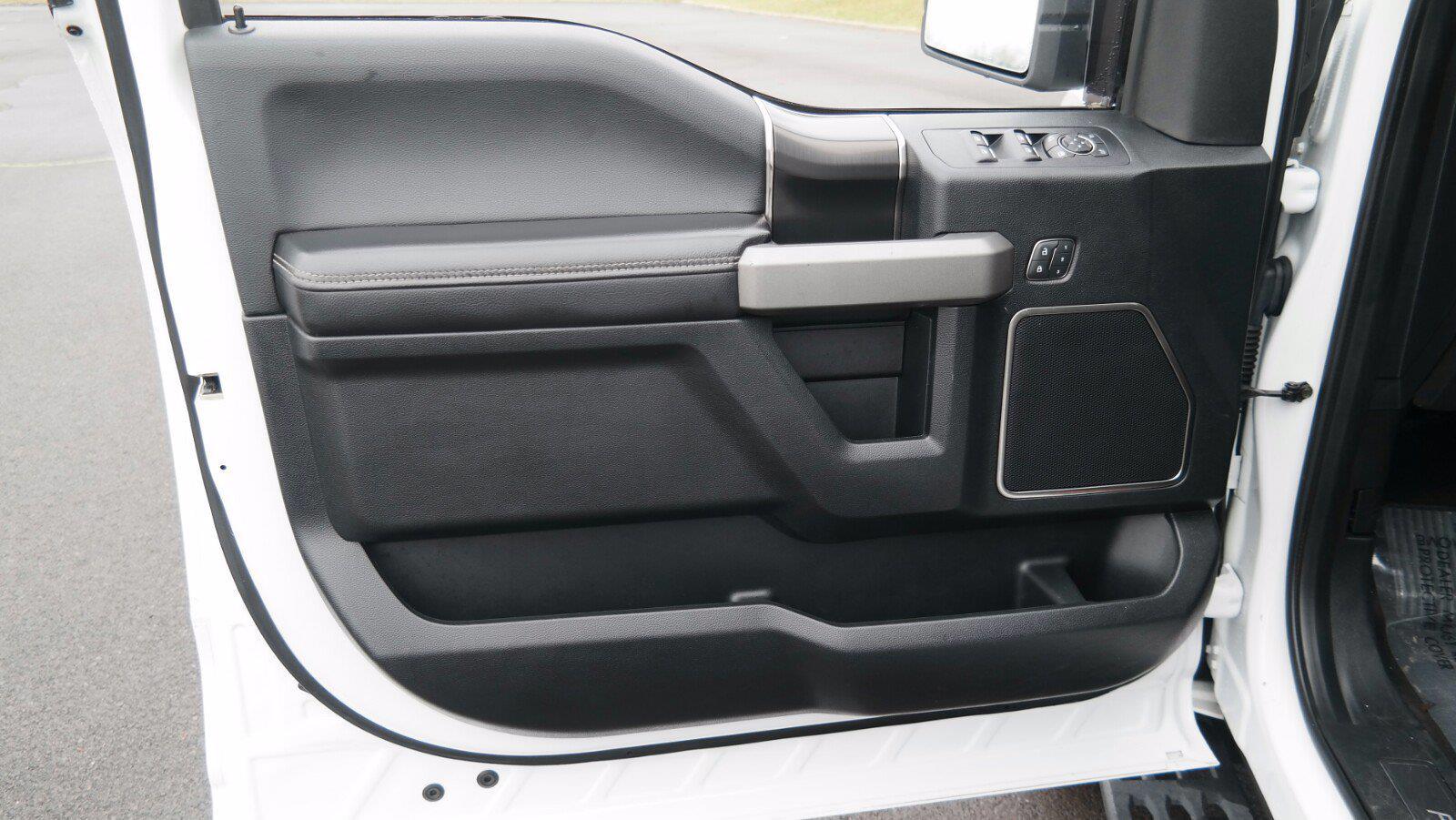 2019 Ford F-150 SuperCrew Cab 4x4, Pickup #FL010231 - photo 12