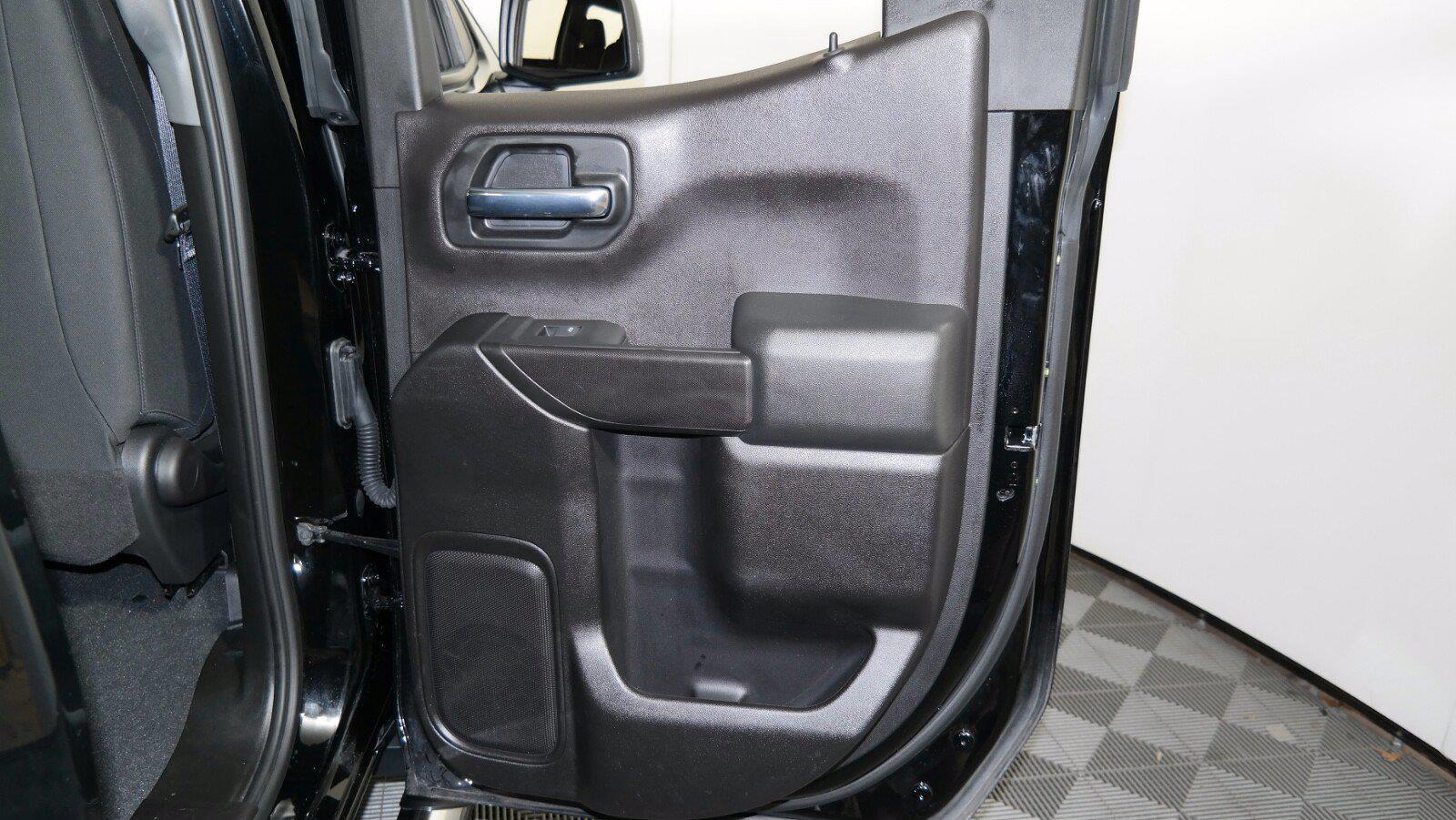 2020 Chevrolet Silverado 1500 Double Cab 4x4, Pickup #FL011751 - photo 27